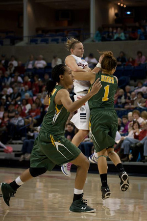 Taelor Karr collides midair with Zhane Dikes | Gonzaga v San Francisco | 2/16/13